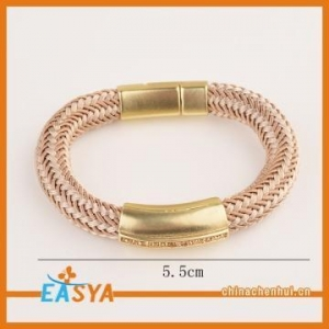 China Women Handmade Woven Thick Rope Bracelet Gold Plated Custom Leather Bracelet on sale