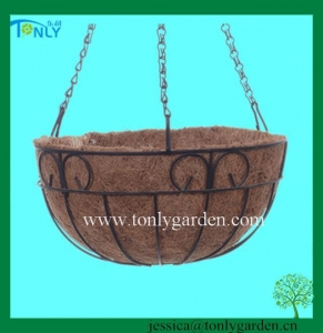 China Wire Planter Baskets Wire Hanging Baskets on sale