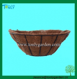 China Wire Planter Baskets Wrought Iron Wall Planters on sale
