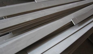 China SUS 202 stainless steel cold drawn flat bar on sale