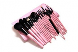 China Manufacturers in china makeup brush wholesale goat hair makeup brush set on sale