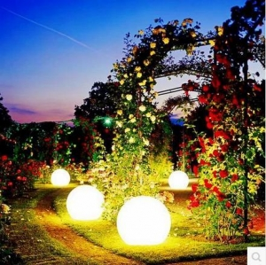 China LED Ball Outdoor Waterproof LED Light Ball on sale