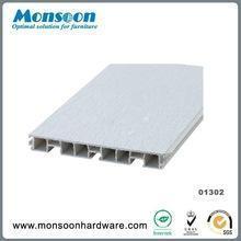 China Baseboard skirting board in PVC on sale