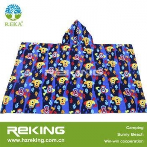 China printed cheap promotional gifts kids hooded beach towel on sale