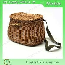 China Factory Direct Handmade Fly Fishing Creel Basket River Fishing Wicker Creel With Leather Straps on sale