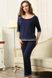 China New Products HOME Custom Made Loose Fit Jersey Pajamas Set on sale