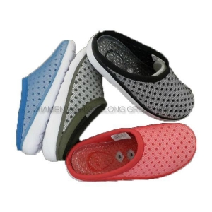 China Slippers Breathable Soft Casu... on sale