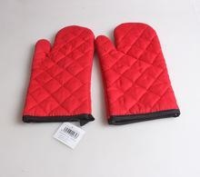 China outdoor living red color bbq grill glove cotton oven glove on sale