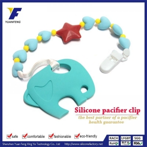 China Fashion Style Silicone Pacifier Holder with Plastic Clip Diy on sale
