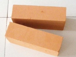 China Diatomite Insulating Fire Brick on sale