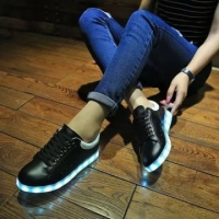 China Cheap Glow Low Top LED Shoes Black White on sale