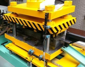 China Ball bearing Drawer Slides Roll Forming Machine, 3 Folds, Drawer Runner on sale