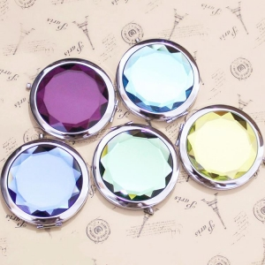 China The Small Hand Mirrors Bulk And Makeup Pocket Cosmetic Makeup Compact Hand Mirror Wholesale on sale