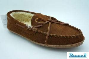 China Banner Men Moccasin Slippers-16M06J07003 on sale