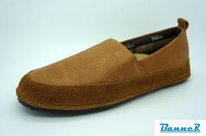 China Banner Men Moccasin Slippers-16M06J01003 on sale