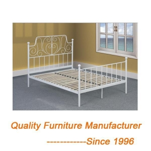 China White Metal Double Bed & Covers Dolls House Bedroom White Metal Bed on sale