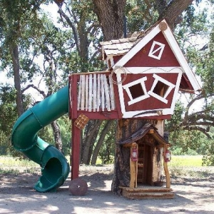 China Daniels Wood Land Tommy's Turbo Terrace Tree House on sale