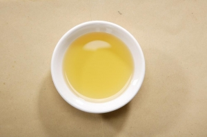 China Jasmine Essential Oil CO2 extracted on sale