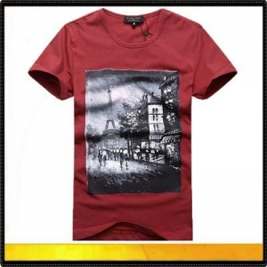 China Custom round neck printed t-shirts for men on sale