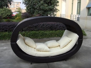 China outdoor wicker patio furniture round canopy bed daybed Esr-7085 on sale