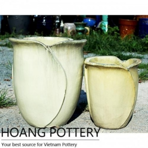 China Contemporary Shape Ceramic Planter (HPPN014) on sale