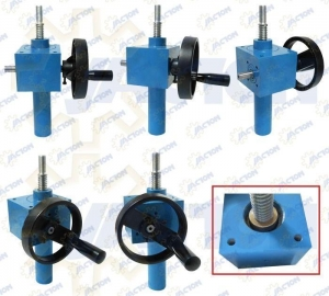 China hand operated worm wheel gearbox lift device on sale
