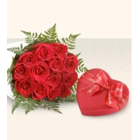 China (70)Red roses w/ heart shape chocolate on sale