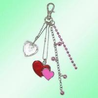 China Dangling Acrylic Crystal Heart Charms on sale