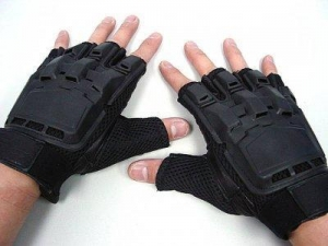 China SWAT Half Finger Airsoft Paintball Tactical Gear Gloves on sale