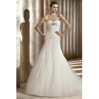 Sweetheart Pleated Elegent Jeweled Lace Tulle Empire Wedding Gown 2012