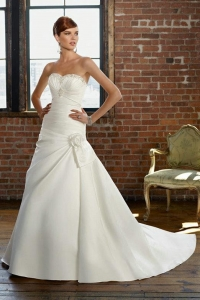 China Satin Pleated Wedding Dress With Handmade Embroidery And Removable Flower Bow on sale