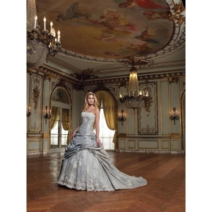China Gorgeous Ball Gown Strapless Taffeta Bridal Wedding Dress with Applique and Rosette on sale