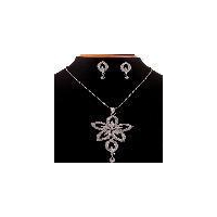 Party wear diamonds pendant jewellery