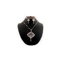 Indian costume designer antique vintage jewellery