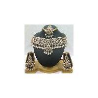 trendy wedding costume diamond jewellery