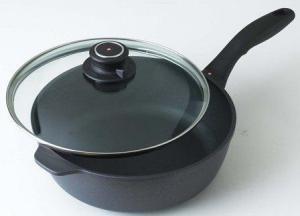 China Swiss Diamond Non-Stick Covered Saute Pan on sale