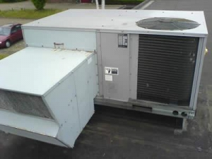 China USED AIR COOLED CHILLER CARRIER 50HJ on sale