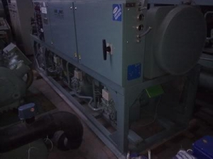 China USED AIR COOLED CHILLER CARRIER 30HS101 on sale