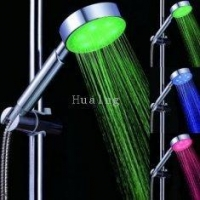 China ABS Plastic RGB Led Light Bulb / Shower Led Light With Seven Colors Flashing on sale