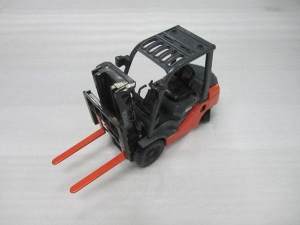 China Construction Machinery Models 1:25 plastic model forklift on sale