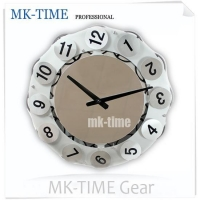 China 18 rotating figures gear wall clock on sale