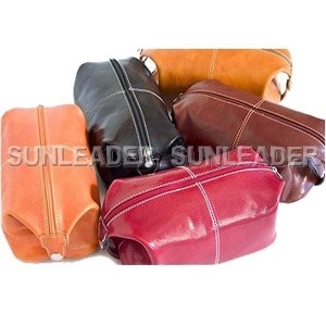China leather accessaries 106408-Leather travel small bag on sale