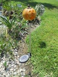 China Solar Round Pumpkin Head Garden Stake (Set of 2 pcs) on sale