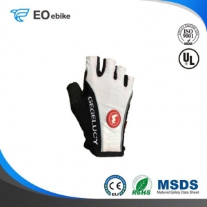 China Suitable Dynamic Racing Road Half Finger New Summer Bike Gloves on sale