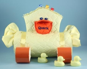 China Unique Baby Gifts Duckie Changing Pad Diaper Cake Unisex Baby Gift on sale