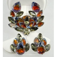 Unsi Vintage Brooch and Earring Set with Extravagant Rhinestones