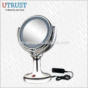 China 2016 New Wholesale compact mirror with lights on sale with plug on sale