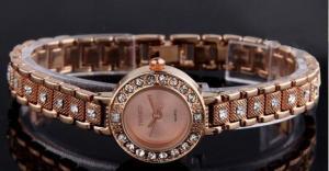 China Wholesale Women's Men's Fashion Rhinestone Roman Numerals Analog Alloy Strap Quartz Watches on sale