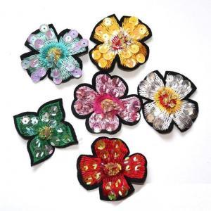 China Handmade Rhinestone Embellishmentsflower Applique for Bridal Wedding Dress Clothing on sale