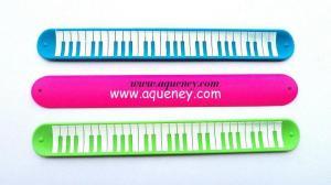 China New design Silicone Slap Ruler Bracelet, color Silicone Snap Bracelet Ruler,free sample on sale